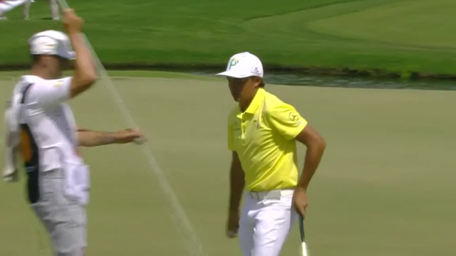Rickie Fowler sticks approach to set up birdie at Arnold Palmer