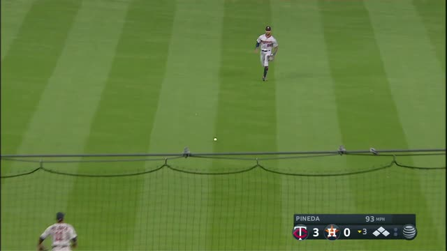 Altuve, Bregman help Astros rally for 10-4 win over Twins