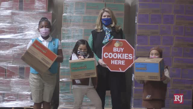 Las Vegas Review Journal News | Girl Scouts using new ways to sell cookies
