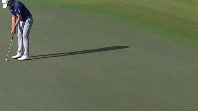 Webb Simpson's lengthy birdie putt on No. 18 at The RSM Classic