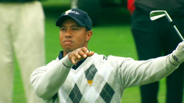 Tiger Woods' iconic club twirl at 2009 Presidents Cup