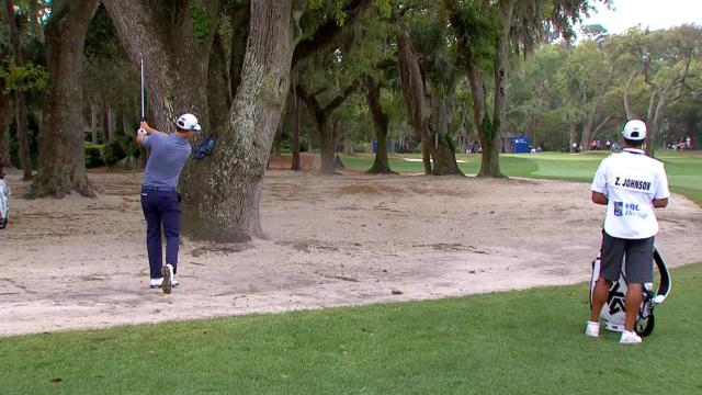 Today's Top Plays: Zach Johnson's solid approach from the sand for Shot of the Day