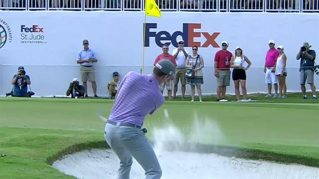 Webb Simpson gets up-and-down for birdie at WGC-FedEx St. Jude