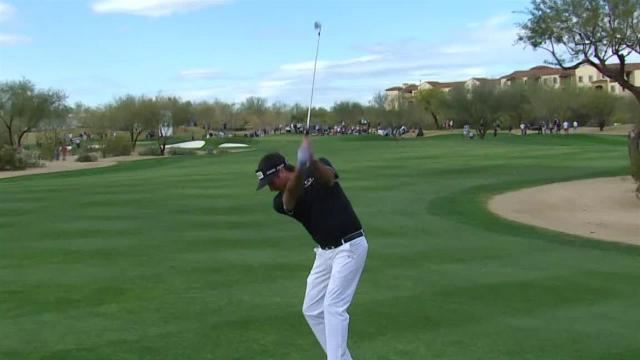 Bubba Watson reaches in two to set up birdie at Waste Management