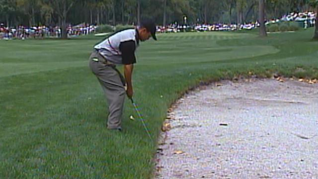 Tiger Woods' awkward bunker shot at RBC Heritage