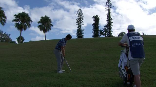 Ollie Schniederjans gets up-and-down for birdie at Bermuda