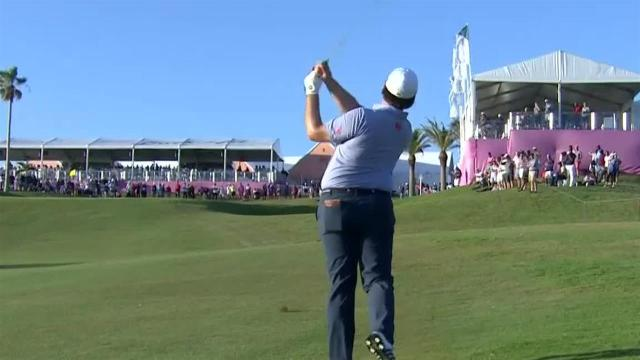 Harry Higgs rolls in a clutch birdie at Bermuda