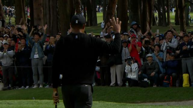 Today's Top Plays: Tiger Woods fist bumping birdie putt for the Shot of the Day