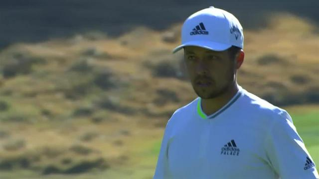 Xander Schauffele sinks 30-foot birdie putt on No. 14 at Genesis