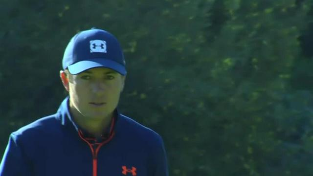 Jordan Spieth rolls in 32-footer for birdie at Genesis