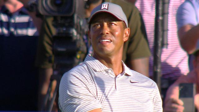 Tiger Woods sticks tee shot to set up birdie at No. 17 at THE PLAYERS