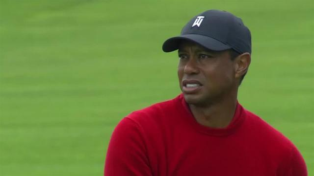 Tiger Woods reaches in two to set up birdie at Farmers