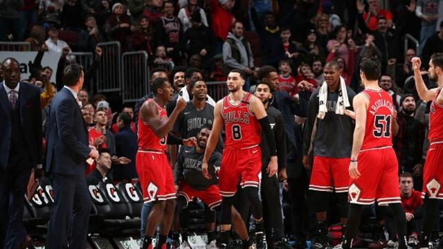LaVine scores 42, Chicago rallies late to beat Cavs 118-116