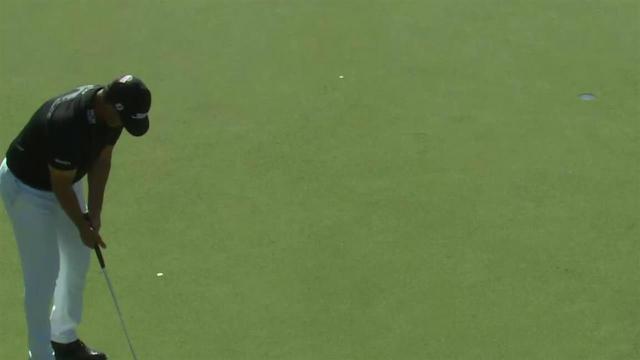 Scott Piercy rolls in 15-footer for birdie at Waste Management