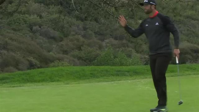 Jon Rahm's tee shot to 7 feet leads to birdie at Farmers