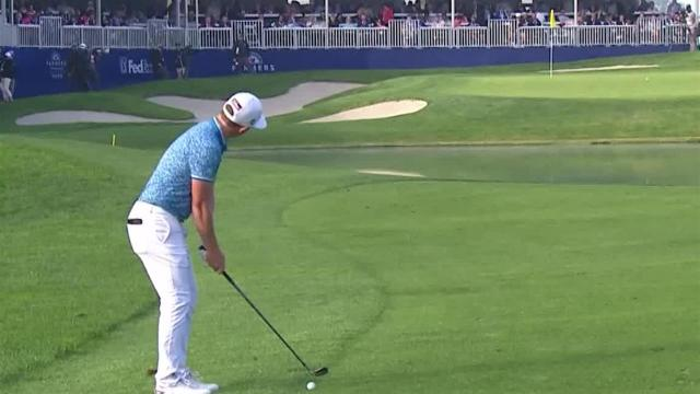 Cameron Smith sticks approach to set up birdie at Farmers