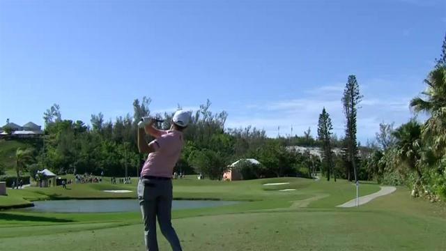 Brendon Todd sticks his tee shot at Bermuda