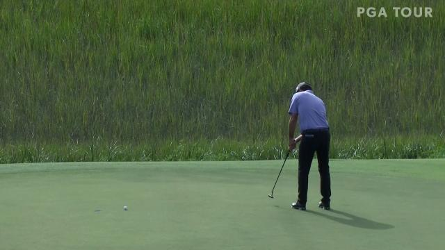 Robert Streb sets up nicely for birdie putt at The RSM Classic