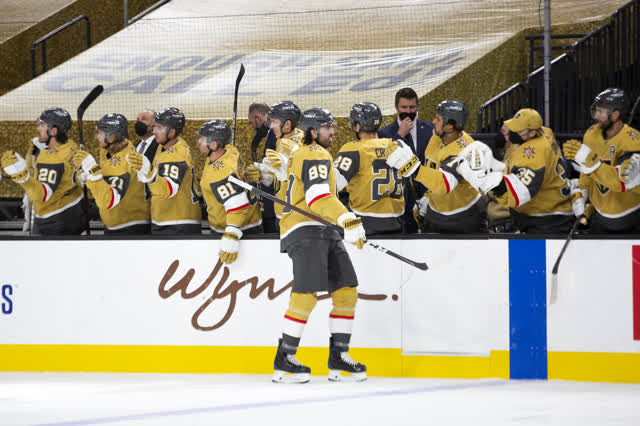 Las Vegas Review Journal Sports | Golden Knights win fourth straight, Fleury has 36 saves