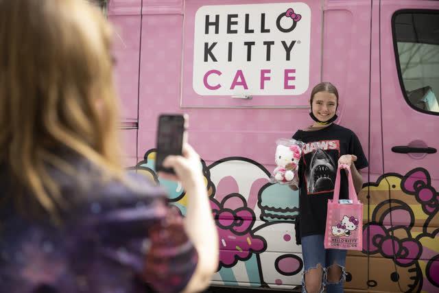 Las Vegas Review Journal News | Hello Kitty Cafe Truck makes Las Vegas stop