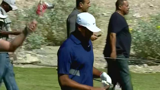 Tony Finau's approach to 5 feet leads to birdie at Shriners