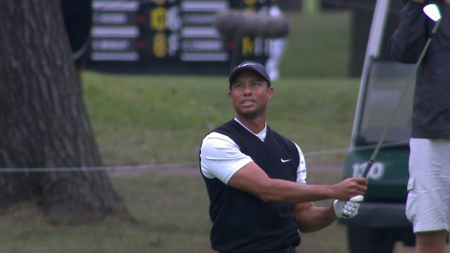Tiger Woods takes the solo lead at ZOZO