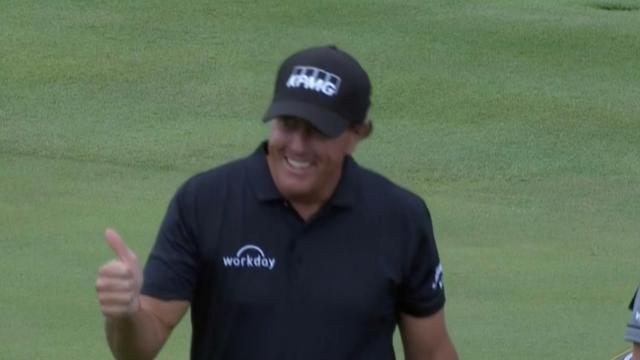 Phil Mickelson nearly aces the par-4 14th at THE CJ CUP
