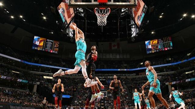 Brooks has 26 points as Grizzlies defeat Cavaliers 113-109