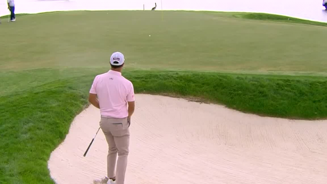 Adam Scott gets up-and-down for birdie at Honda