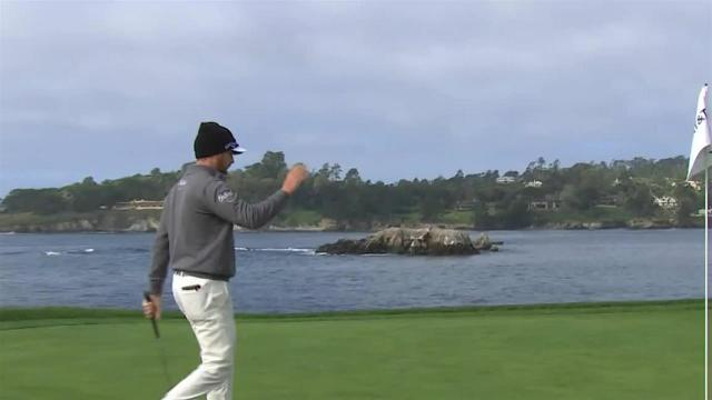 Chris Stroud chips in for birdie at AT&T Pebble Beach