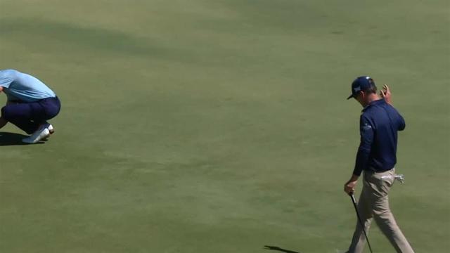 Zach Johnson drains 41-foot birdie putt at Arnold Palmer