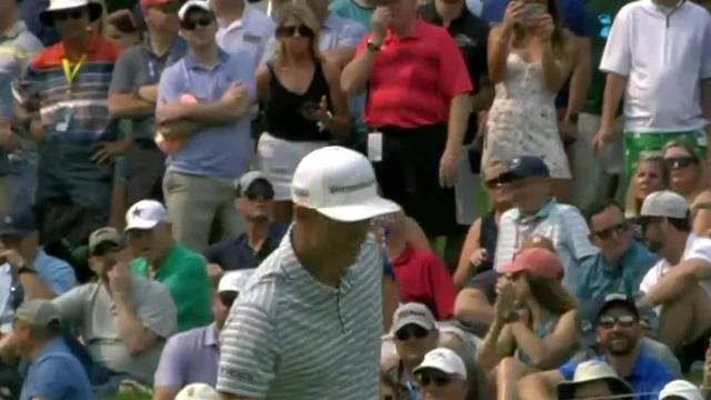 Justin Rose drains lengthy birdie putt at the Memorial