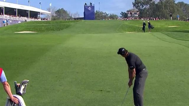 Phil Mickelson sticks approach to set up birdie at Farmers