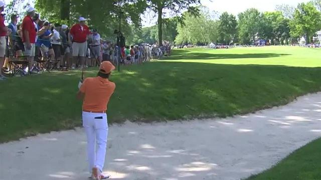 Rickie Fowler's impressive second from the sand leads to birdie at Rocket Mortgage