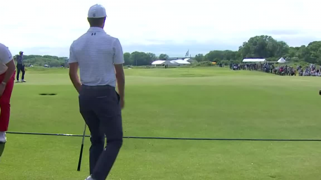 Jordan Spieth's chip shot from the gallery yields birdie putt at AT&T Byron Nelson