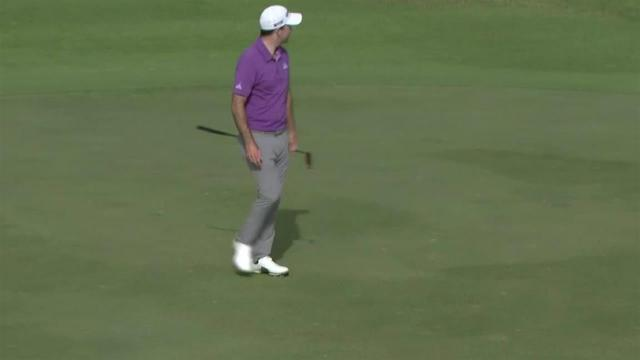 Nick Taylor sinks lengthy birdie putt at the Sony Open