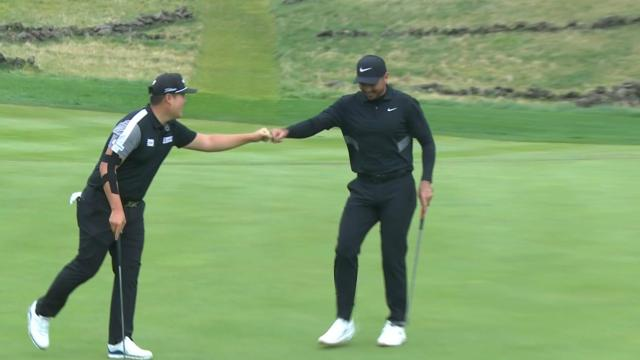 Jason Day rolls in lengthy birdie putt at THE CJ CUP