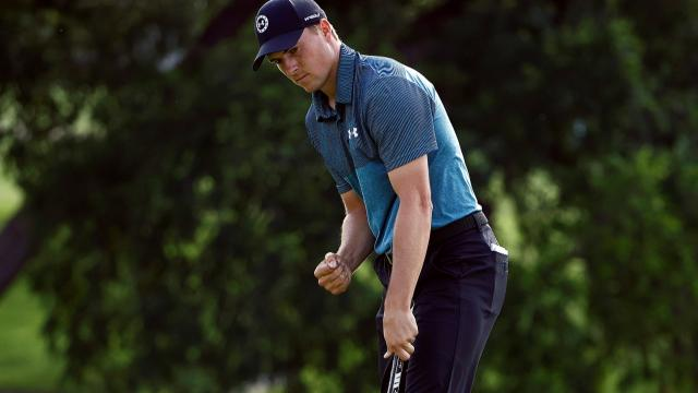 Spieth gives crowd a show, Morikawa's interesting day