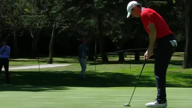 Rory McIlroy drains 12-footer for birdie at WGC-Mexico