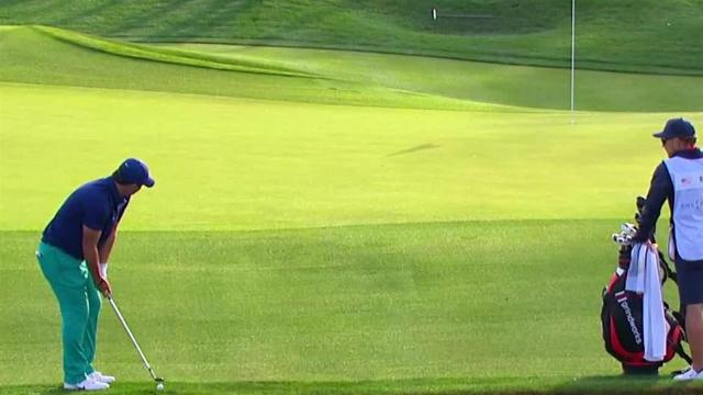 Patrick Reed chips in for birdie at THE PLAYERS