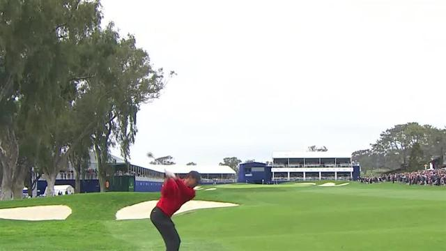 Tiger Woods cards closing birdie at Farmers
