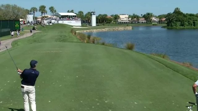 Michael Thompson sinks tee shot to set up birdie at Honda