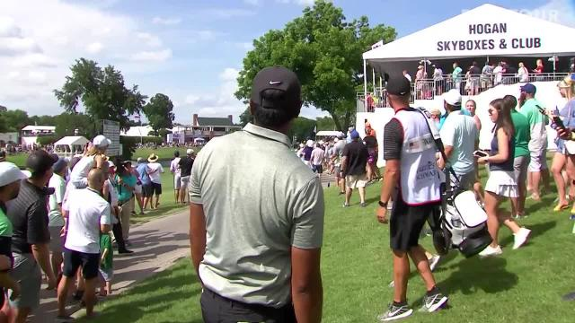 Tony Finau's approach from the crowd yields birdie putt at Charles Schwab