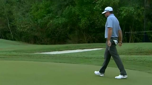 Robert Garrigus chips in for birdie at Houston Open