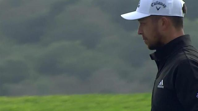 Xander Schauffele sinks birdie putt from the fringe at Farmers