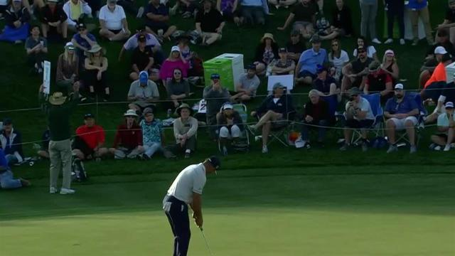 Gary Woodland sinks 16-footer for birdie at Waste Management