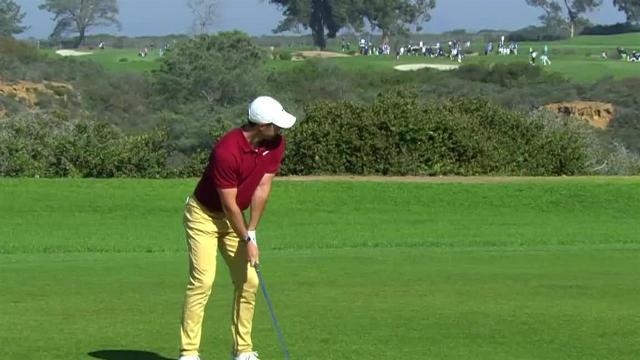 Rory McIlroy reaches in two to set up birdie at Farmers