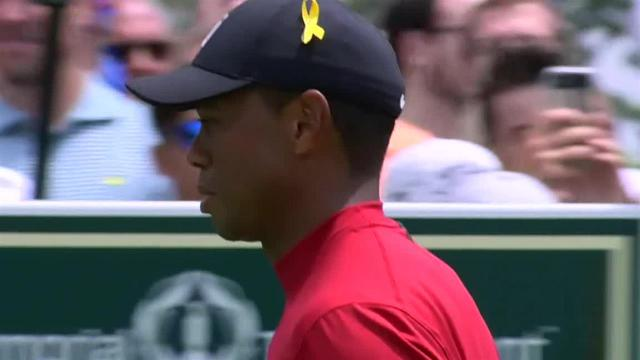 Tiger Woods jars 11-footer for birdie at the Memorial