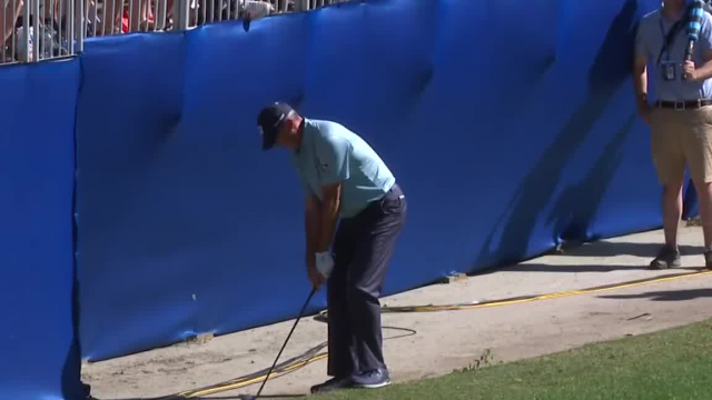 Matt Kuchar's chip shot from the grandstand sets up birdie at RBC Heritage