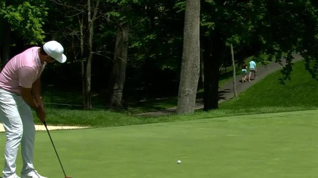 Jason Day sinks 21-footer for birdie at the Memorial